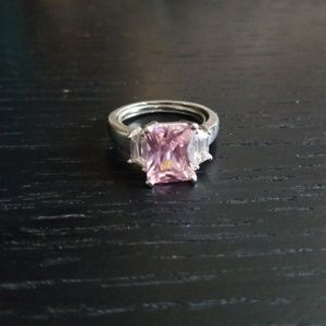 Jewelry - Sterling silver, pink stone ring